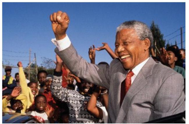 南非黑人总统曼德拉搞垮了南非
